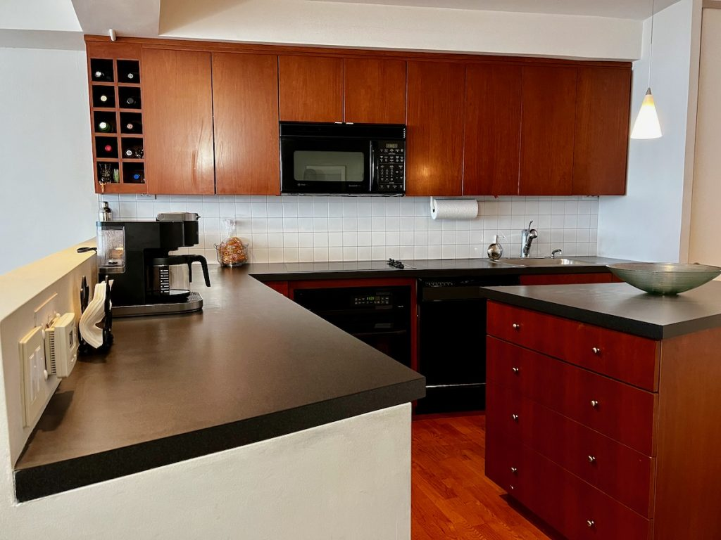 4210 Kitchen