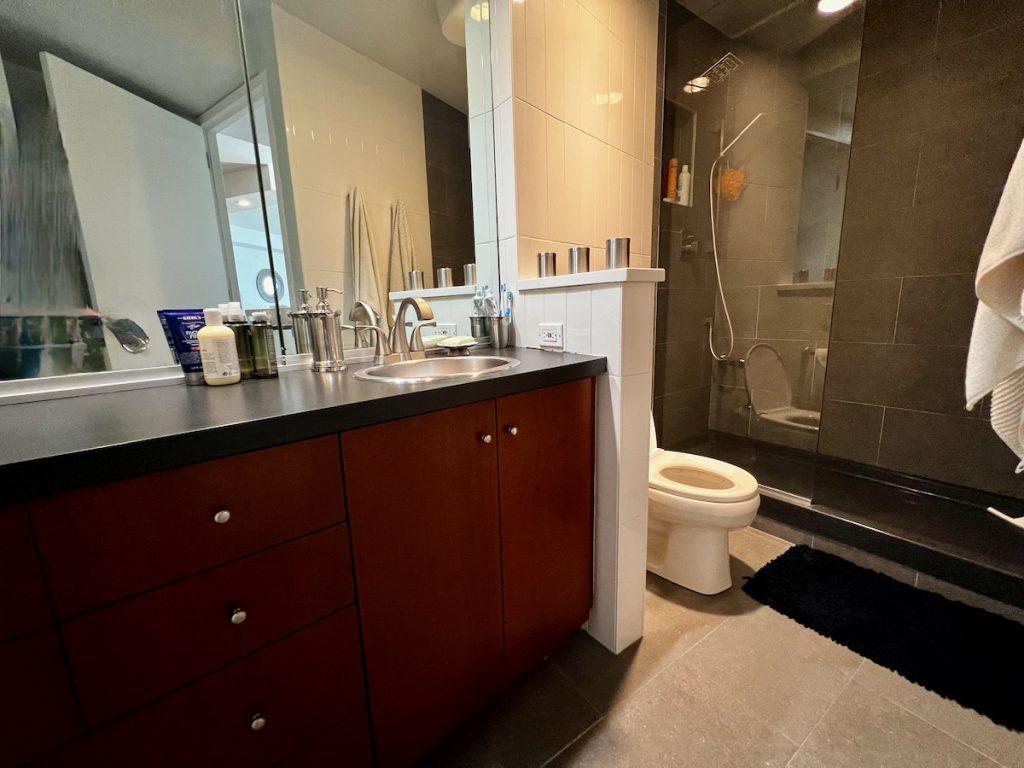 4210 Bathroom